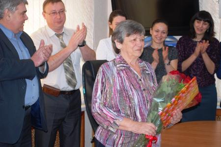 В Хабаровске коллектив управления лесами края поздравил юбиляра