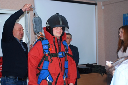 Хабаровские студенты-лесоводы посетили Дальневосточную базу авиационной охраны лесов